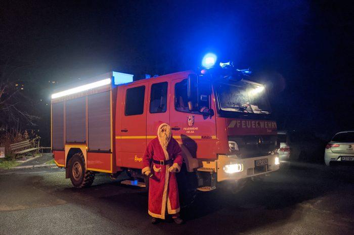 Nikolaus beschert Helsaer Nachwuchs strahlende Kinderaugen